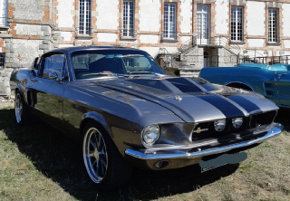 Location Ford Mustang fastback 1967 Gris bandes noir