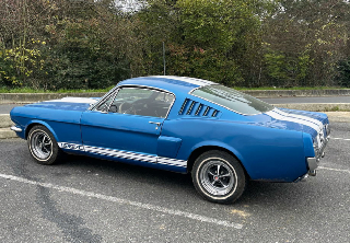 Location Ford Mustang GT 350 1967 Bleu bandes blanches