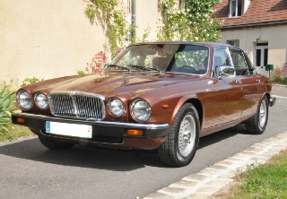 Jaguar XJ12 1980 marron
