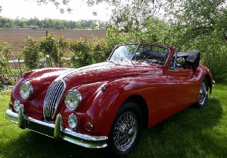 Jaguar XK 140 1955 rouge